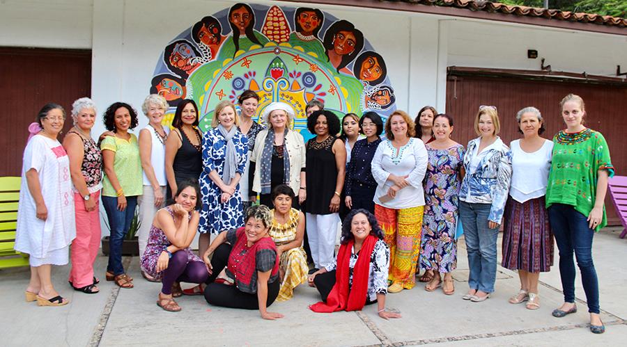 Visita a Casa La Serena de las embajadoras de ONU-Mujeres